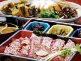 京や特選の飛騨牛を使ったステーキ重 人気の一品です
