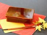 飛騨春慶が施されたお弁当箱です 木のぬくもりと、漆の高級感をぜひご堪能ください